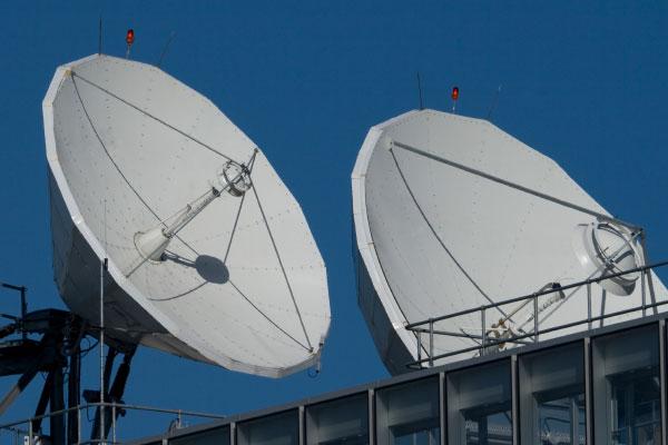 Satellit TV / Satellitenfernsehen Kabel Internet